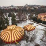 Šapitó se nachází asi 15 chůze od budovy Janáčkova divadla